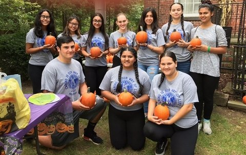 Nutley High School Key Club students @ Nutley Historical Society, pumpkin festival.